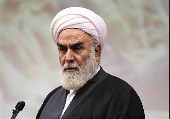 حجتالاسلام محمدیگلپایگانی در بیمارستان بستری شد