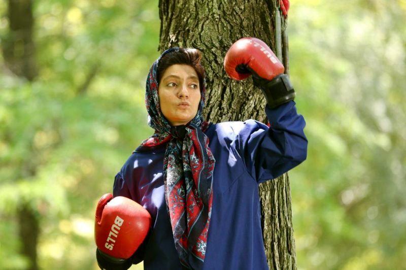 بازیگر زن معروف سینما در حال تمرین بوکس! +عکس